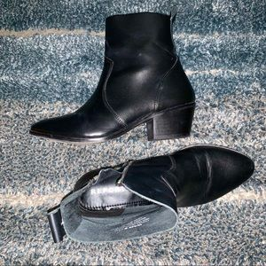 Report Black Leather Boots/Booties